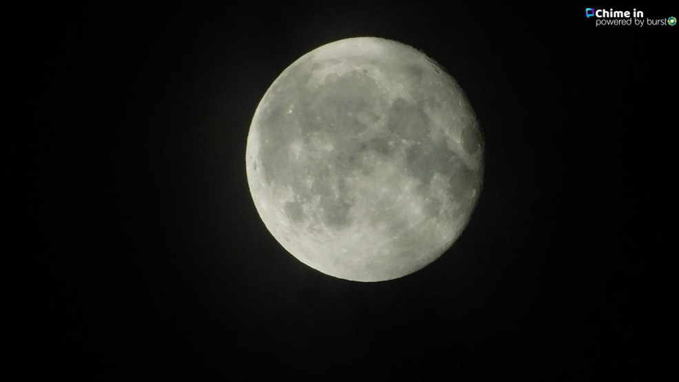 Mother Nature Treats Us To A Rare Blue Moon On Halloween Night Wwmt